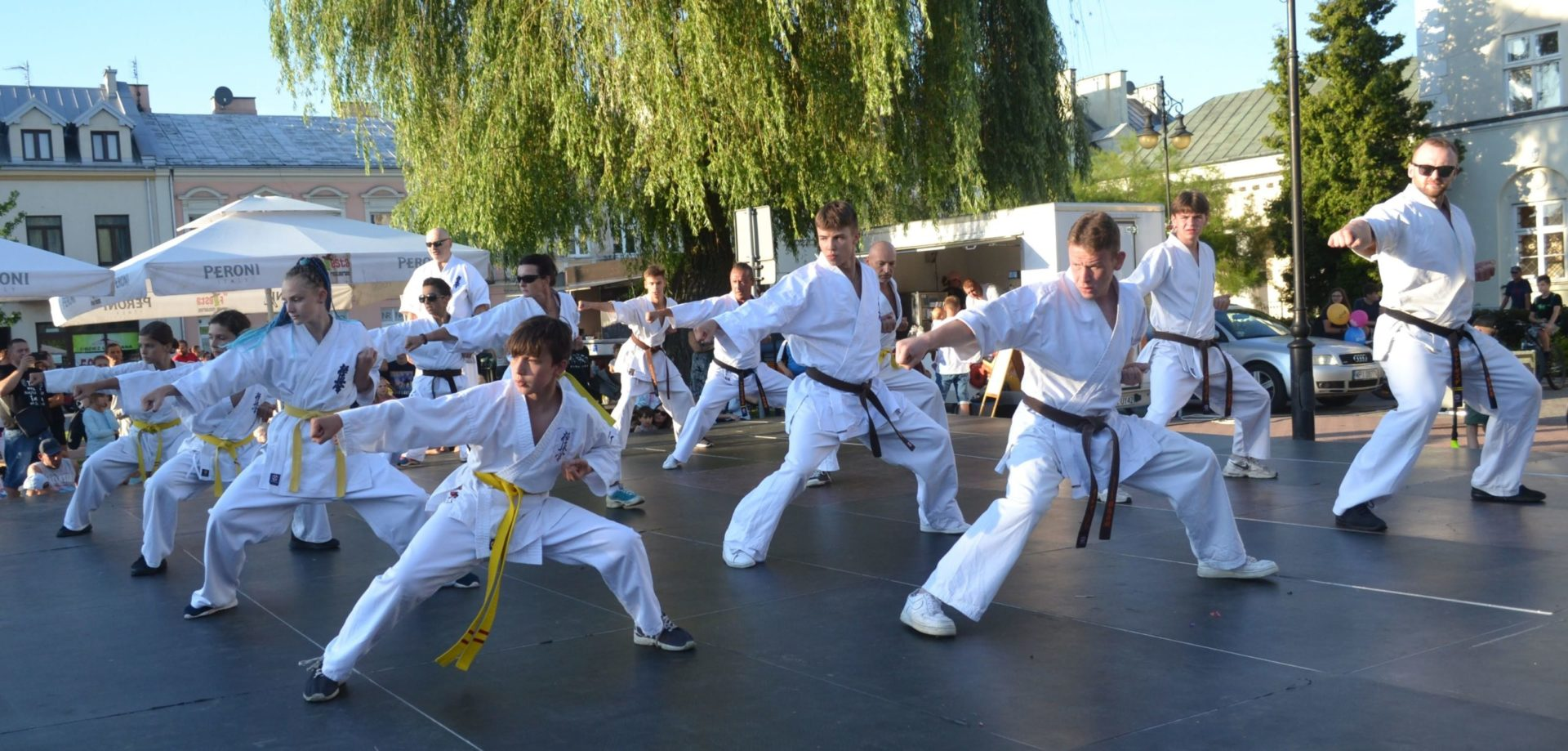 pokaz klubu karate góra kalwaria